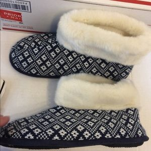 Isotoner boot slippers blue size 8.5-9